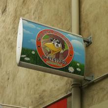 drapeau-enseigne-galbee